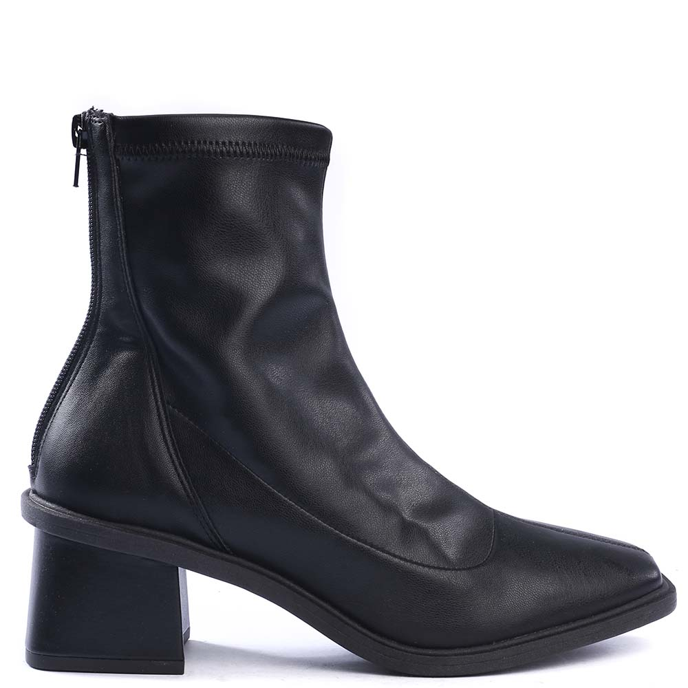 Bota Cano Curto Material Stretch Cat Preto